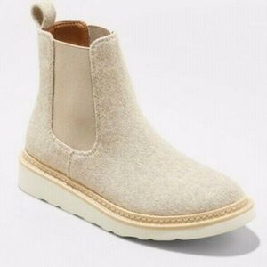 Universal Thread Dawn Wool Chelsea Boots! 8.5